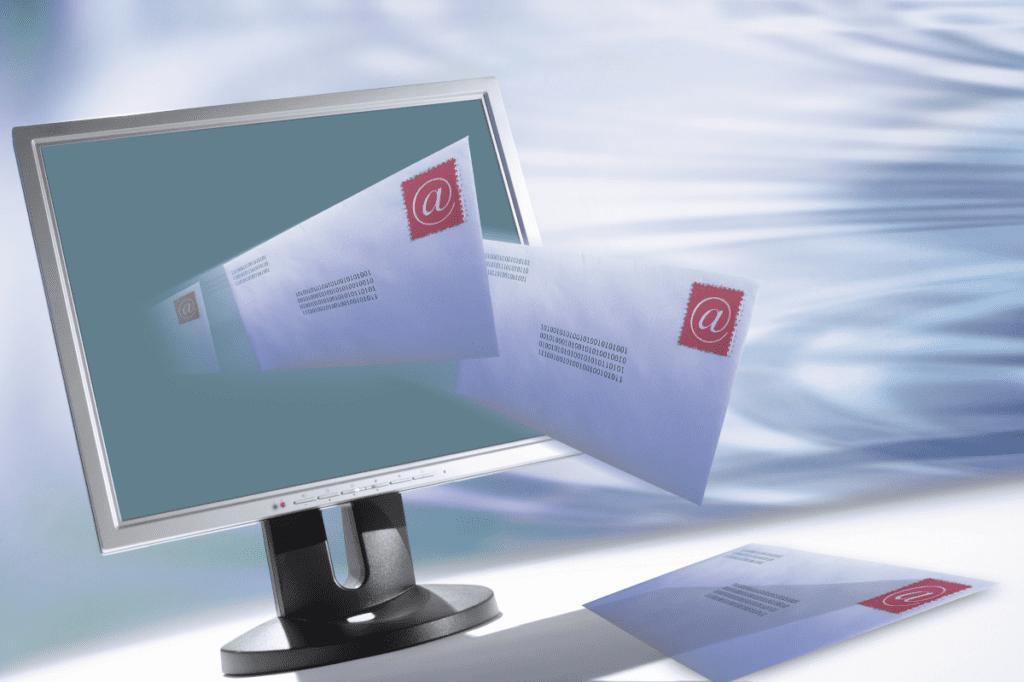 В ходе переписки мошенники украли миллион долларов, информационная безопасность магистратура ВУЗы Красноярск